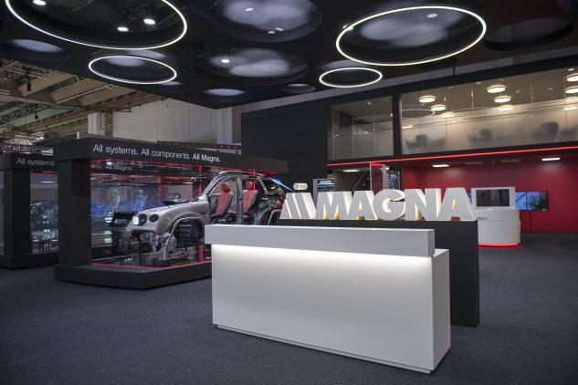 Magna International auf der IAA, Konzeption, Produktion und Umsetzung des Messestandes by KOOP Live Marketing - Abteilung Messebau